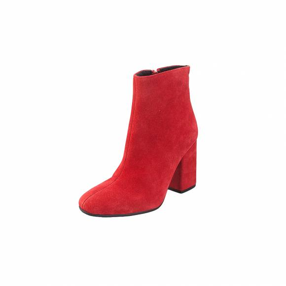 Moods 3161 Red Suede